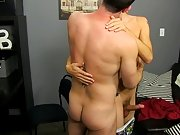 Boredom leads Scott Alexander to hit on his dad's sexy coworker, Mike Manchester, who's all also ready to entertain him gay anal masterbatio