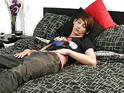 Hot emo guy max, strips, jerks an plays ith his sexy hard emo cock sweet gay boys at Homo EMO!